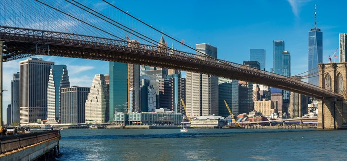 Artania -Brooklyn Bridge in New York, USA