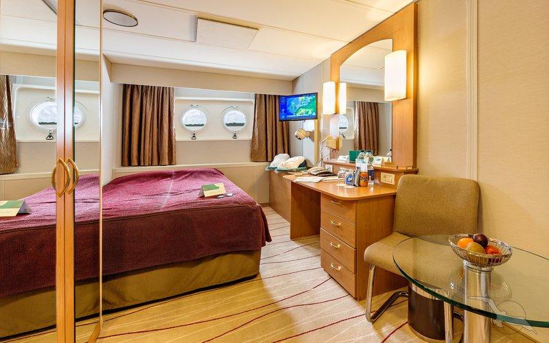 ms albatros schiffsbeschreibung beliebtes kreuzfahrtschiff mit groer fangemeinde. Black Bedroom Furniture Sets. Home Design Ideas